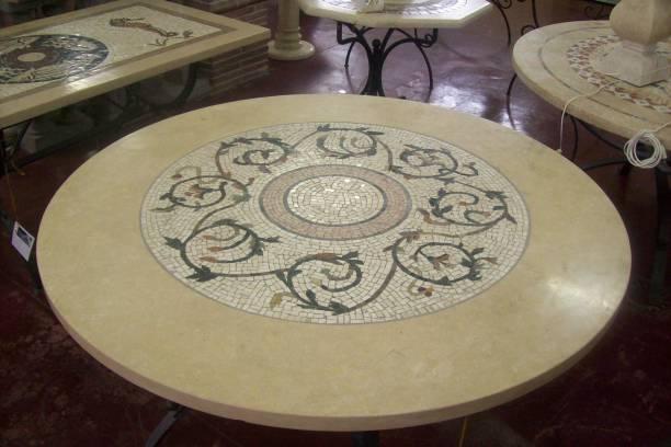 Vendita tavoli in marmo di rustici del trusco eleganza e for Tavolo rotondo mosaico