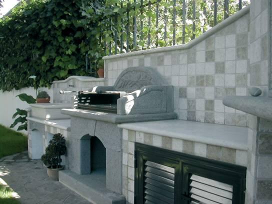 Vendita Arredo giardino con barbecue forno e lavabo  Arredo interno e urbano in pietra Roma ...
