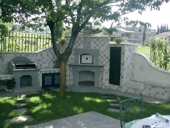 Vendita arredo giardino con barbecue forno e lavabo for Arredo giardino in pietra